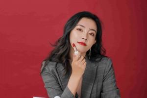 """王通:李玥瑶玩直播一周营收八百万""""微商+直播""""模式的威力巨大"""